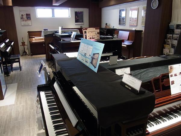 1F アップライトピアノ展示スペース
